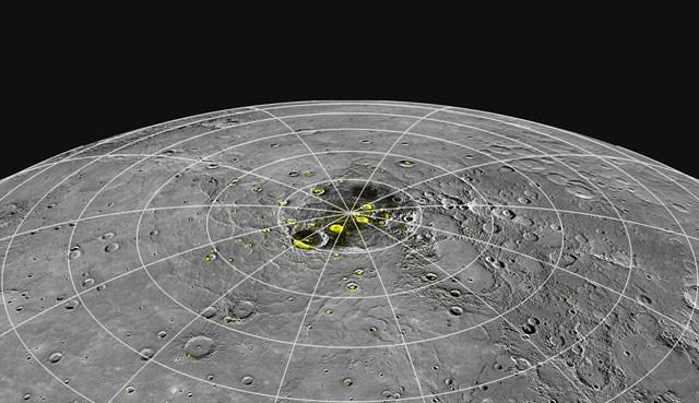 Merkür'ün kuzey kutup bölgesi.