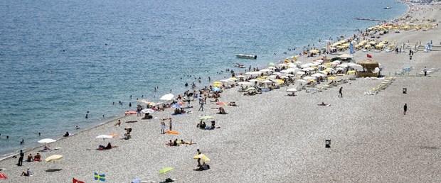 antalya plaj sıcak.jpg