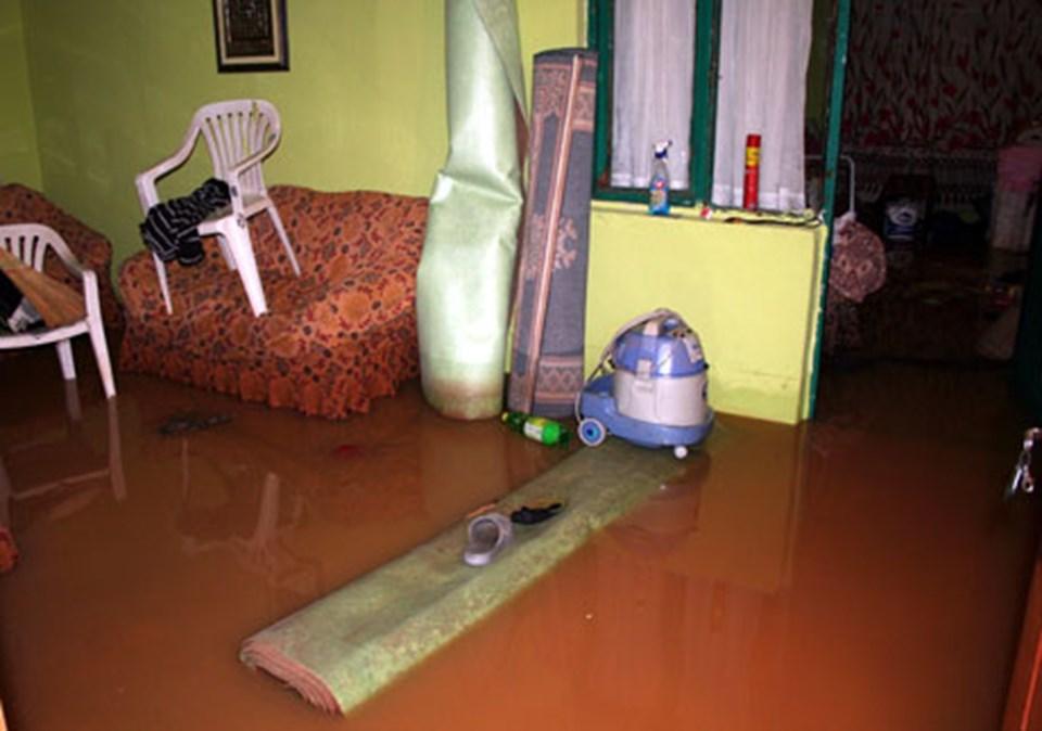 İstanbul'da Anadolu yakasında birçok evi bu sabah su bastı.