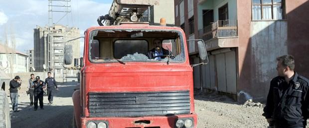 Hakkari'de izinsiz gösteriye 20 gözaltı