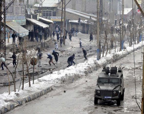 Hakkari'de Öcalan gerilimi