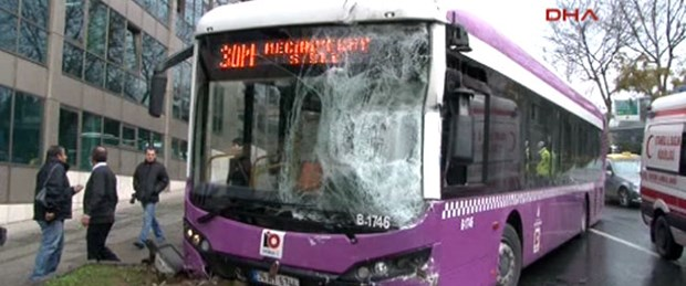 Halk otobüsleri çarpıştı: 5 yaralı