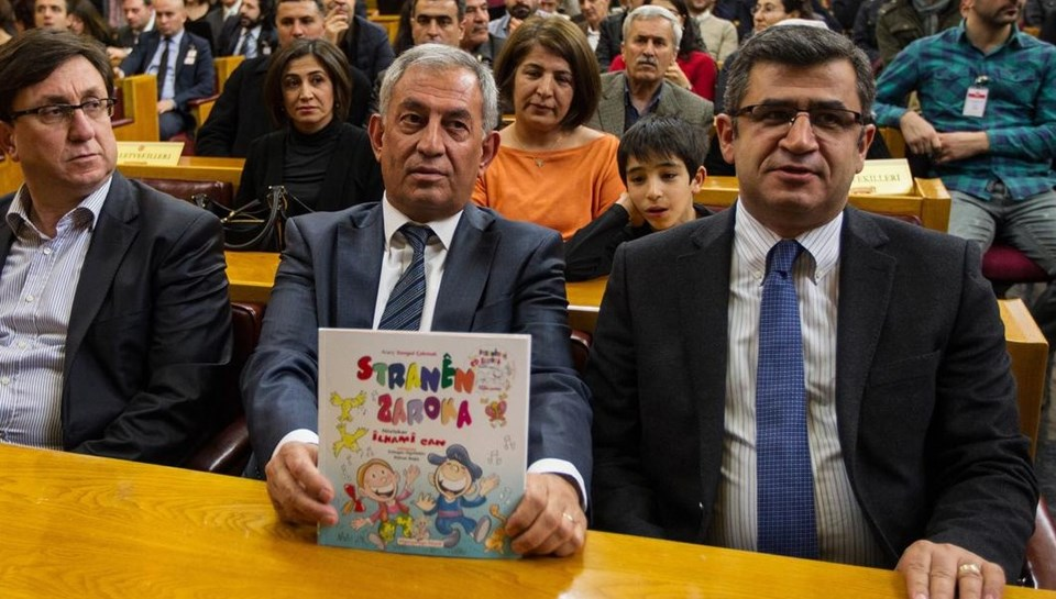 Adil Zozani (sağda) ve HDP Muş Milletvekili Demir Çelik.
