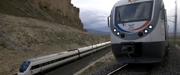 Hızlı tren 255 km hıza ulaştı