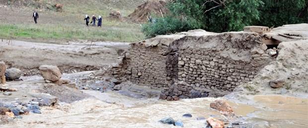 Horasan'da sel: 6 ölü