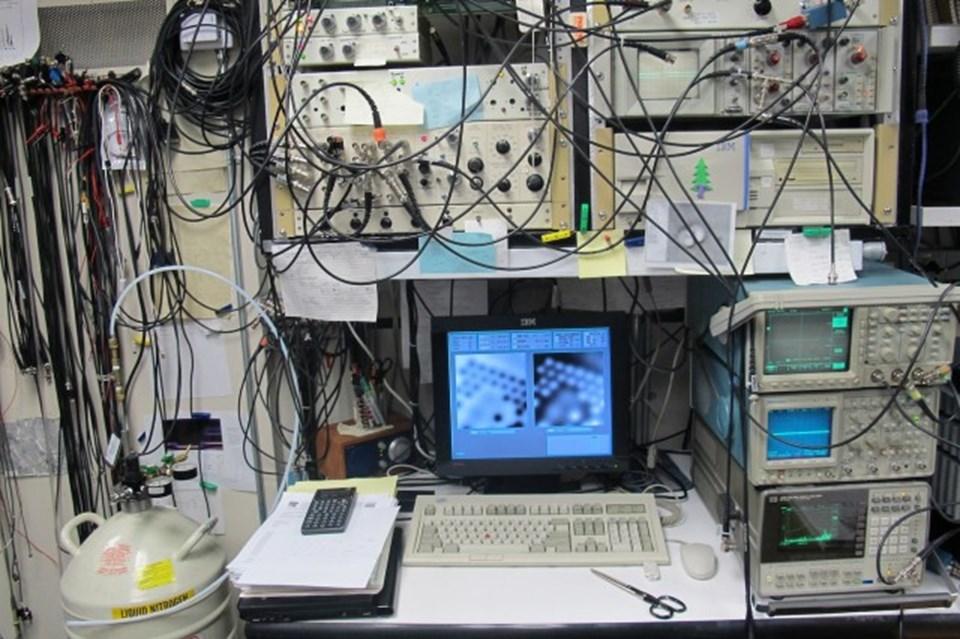 STM'i kontrol eden bilgisayar.
