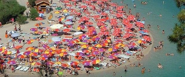 İki turist 20 dakika arayla boğuldu