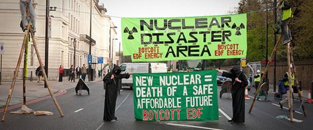 İngiltere'de nükleer karşıtı gösteri
