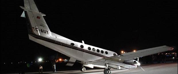 İniş takımları açılmayan uçak sorunsuz indi