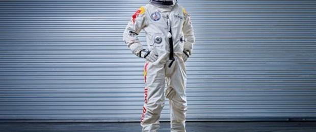 İnsanı uzay aracına çeviren kostüm