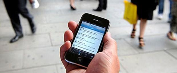 iPhone bizi gözetliyor
