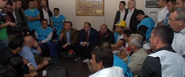 İşçiler Türk-İş'i işgal etti