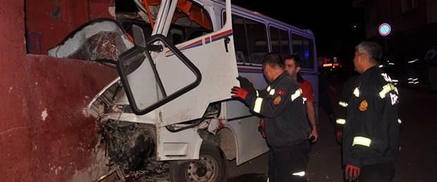 161114--işçi-minibüs-kaza.jpg