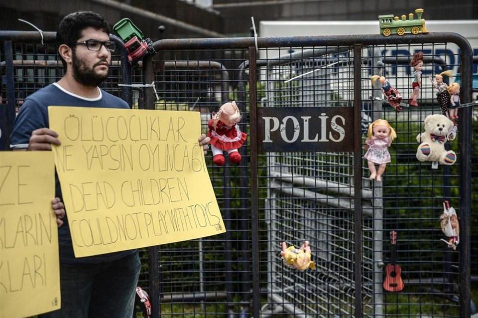 İsraile oyuncaklı protesto