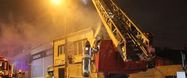İstanbul Eyüpsultan'da iş yeri yangını ile ilgili görsel sonucu
