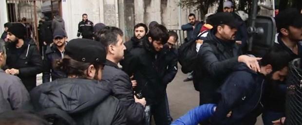istanbul-universitesinde-olaylar-cikti-1-_4845_dhaphoto1.jpg