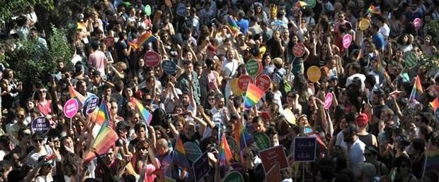 LGBT yürüyüş.jpg
