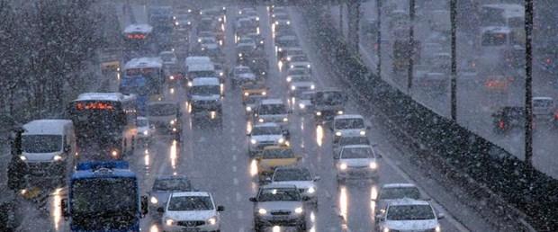istanbul-kar-trafik-17-02-15
