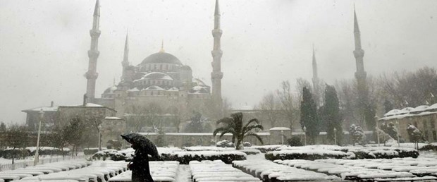 İstanbul'a lapa lapa kar zamanı