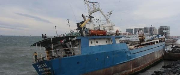 gemi, fırtına.jpg