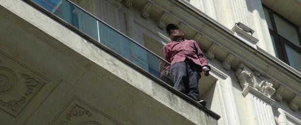 istiklal-caddesinde-intihar-hareketliligi.jpg