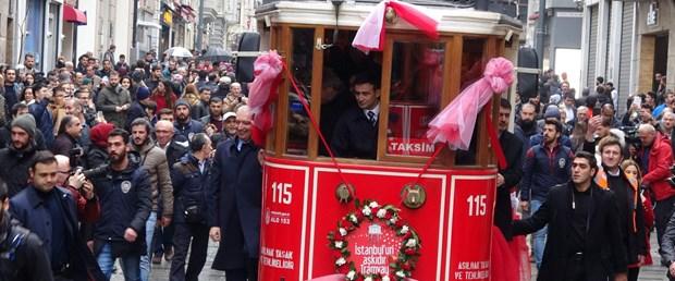 fotograflarnostaljik-tramvay-hizmete-girdi_9488_dhaphoto6.jpg
