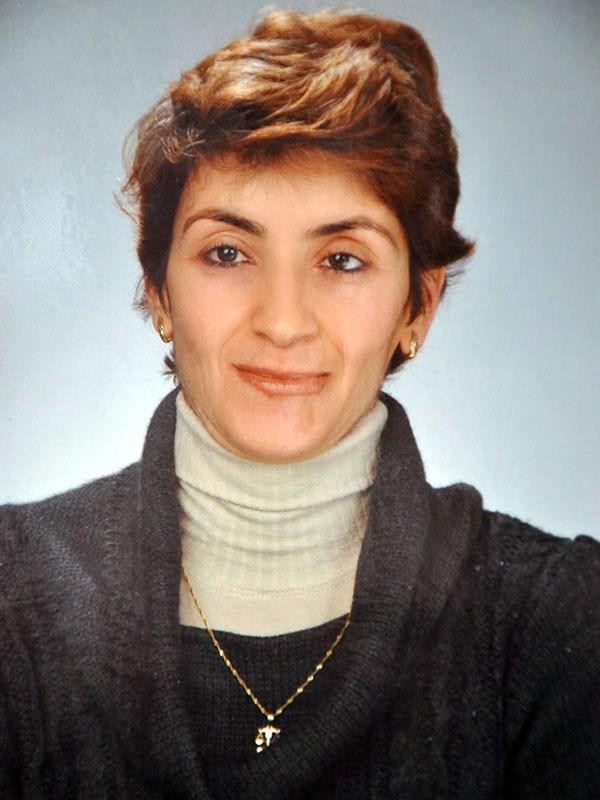 Karşıyaka ilçesinde yaşayan, uzun süre önce eşinden boşanan ve yaşlılara bakarak geçimini sağlayan Gülşen Süzen (45), 11 Aralık'ta kaybolmuştu