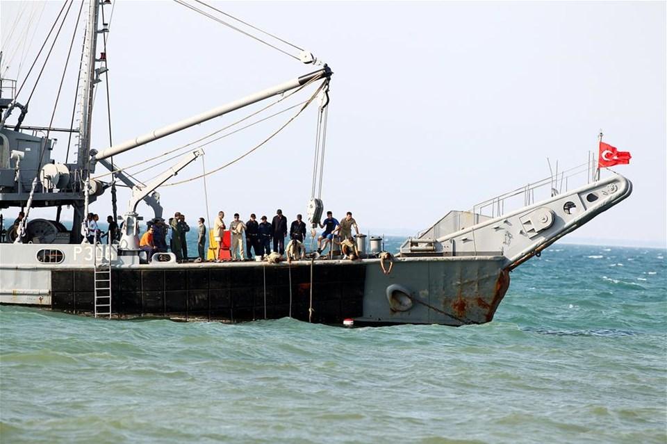 İzmir'de eğitim uçağı denize düştü