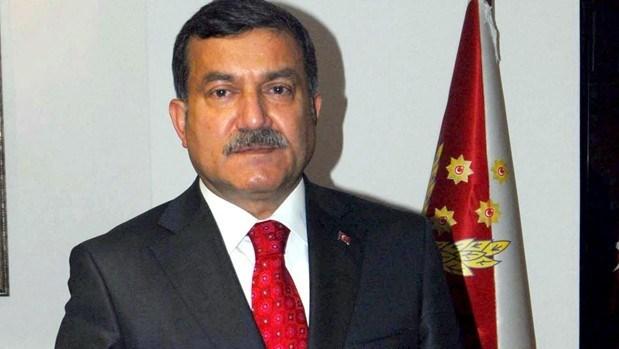 İzmir Emniyet Müdürü Celal Uzunkaya