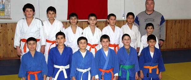 Judo antrenörü odasında ölü bulundu