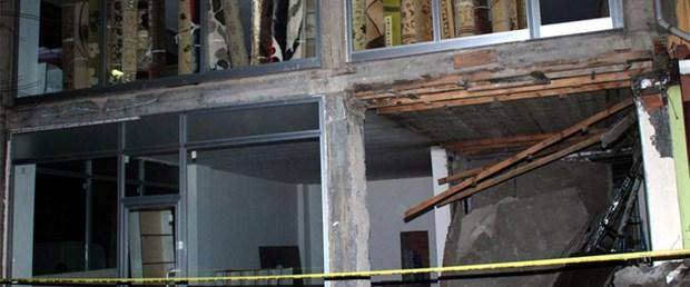 Kaçak tadilat asma katı çökertti: 1 ölü