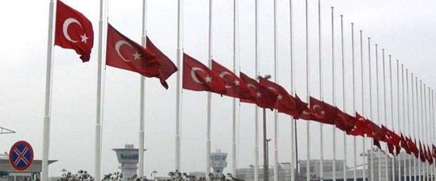 Kaczynkski için bayraklar yarıya inecek