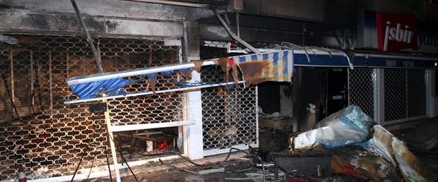 Kadıköy'de 5 katlı apartmanda yangın