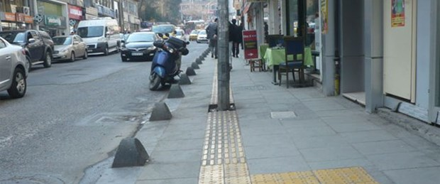 Kadıköy'de engellileri 'engelleyen' yol