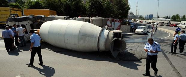 beton-mikseri-kontrolden-cikti-facianin-esiginden-donuldu.jpg