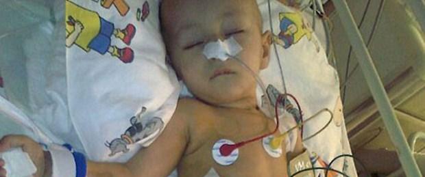Kanser hastası bebeğin tedavi parasını çaldılar