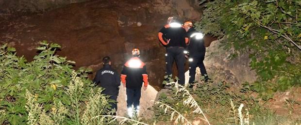 Kanyonda mahsur kalan dört kişi kurtarıldı, kaybolan bir kişi aranıyor