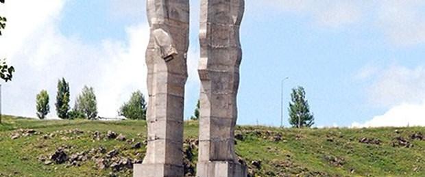 Kars Belediyesi: 'Ucube' yıkılacak