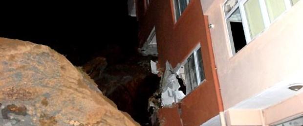 Kayalar ikinci kattan içeri girdi