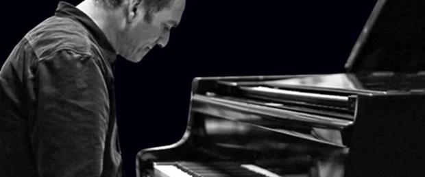 Kerem Görsev'den yeni albüm