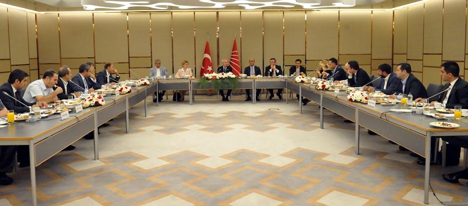 Kılıçdaroğlu medya temsilcileriyle buluştu.