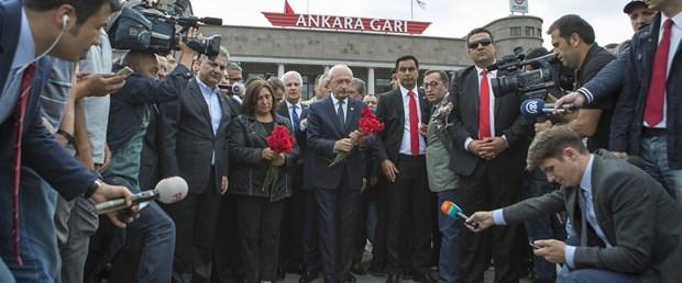kılıçdaroğlu-karanfil.jpg