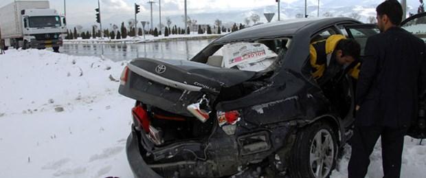 Kılıçdaroğlu'nun konvoyunda kaza
