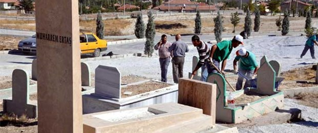 Kırşehir Neşet Ertaş'a ağlıyor