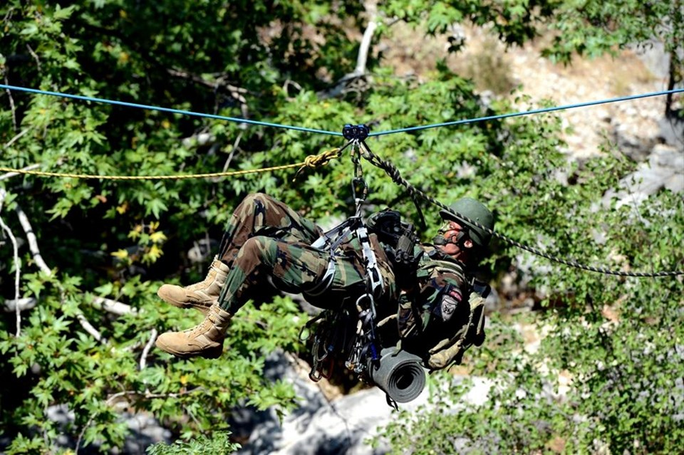 Komandolardan ortak askeri tatbikat