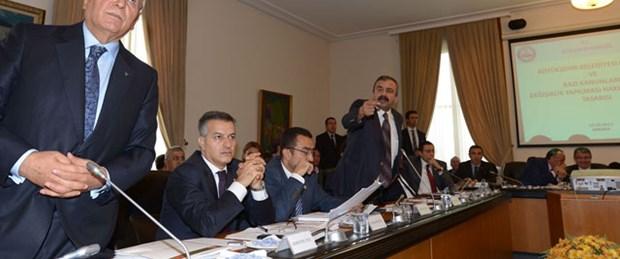 Komisyonda 'Atatürk' tartışması