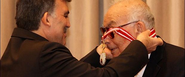 Köşk'ün ödülü Yaşar Kemal'e
