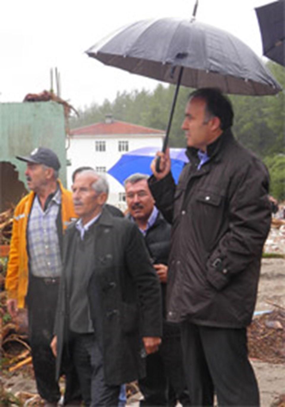 Vali Altıparmak Haskızılören köyünde incelemelerde bulundu.