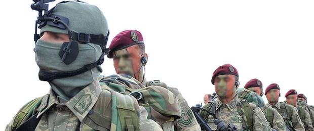 bordo-bereli-askerler.jpg