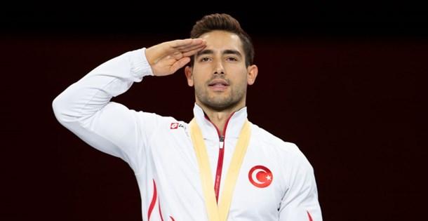 Madalyası Türk ordusuna armağan etti
